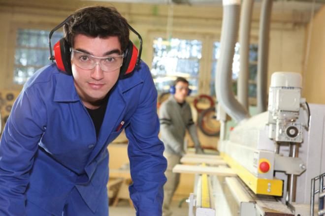 1.376 de locuri de muncă din Europa sunt disponibile pentru români
