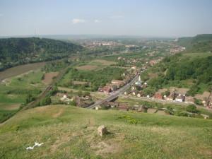 panorama asupra Văii Mureşului şi oraşului Lipova, de la Cetatea Şoimoş (Foto: Andrei-Ionel Bergheș)
