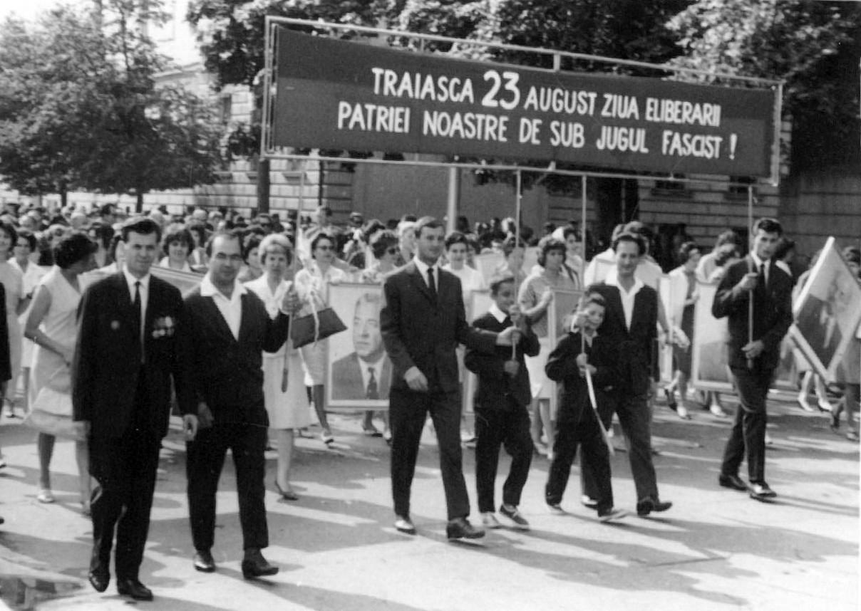 """Ion Caraion şi """"jurnaliştii fascişti"""""""