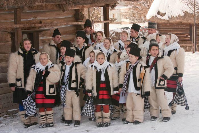 Sărbători fericite tuturor românilor!