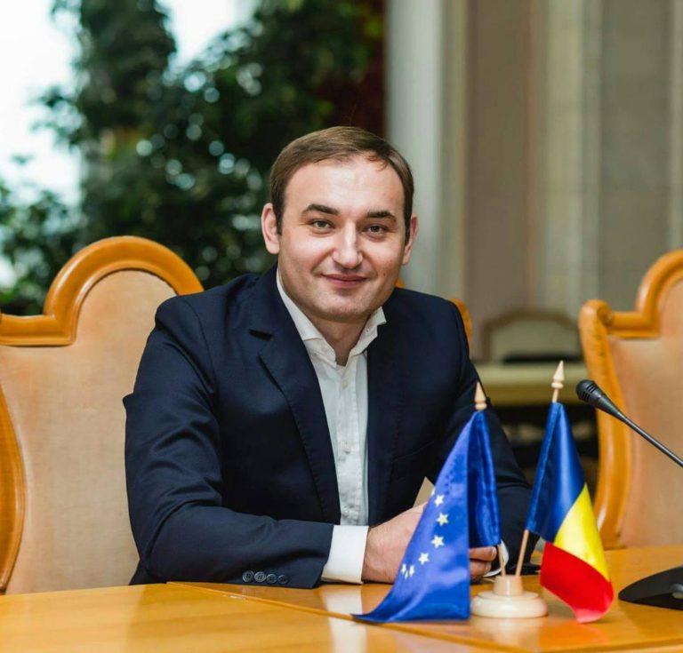 """Un medic vrea să """"vindece"""" diaspora: Corneliu Rădăuță"""